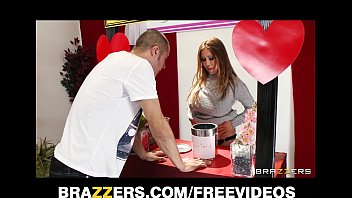 Kianna Dior turns her charity kissing booth into a fucking booth