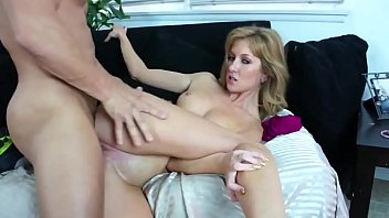 Emily I shaved my pussy and massaged with the cum after a long fuck