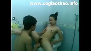 Clip sex nữ sinh Hải Phòng vs bạn trai trong nhà tắm trên facebook