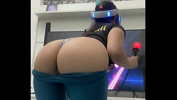 Sexy Gamer playing VR in yoga pants tiny panties big butt brazilian babe PS4