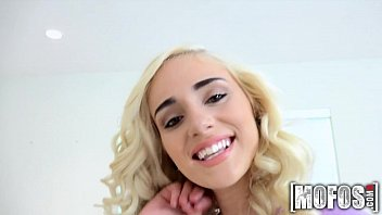 NAOMI woods - Don't Break Me Mofos.com