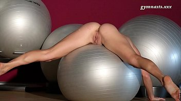 Naked russian mature Very sexy body mature ala does acrobatics
