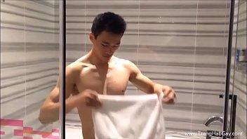 Bisexual chat network gym shorts boy - Cute hunk washing his dick
