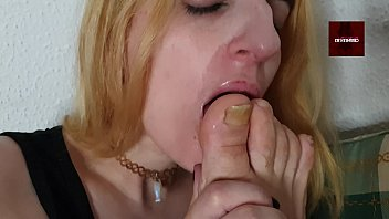 Limpio pies con mi lengua by Gemma Gomory