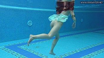Lizi Vogue Underwater Porn