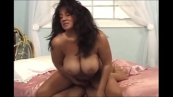 Indian school girl show her tits