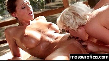 Young innocent lesbian has her tight little flower penetrated 13 Vorschaubild