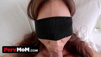 Perv son fucks mom's mouth when shes blindfolded! porno izle