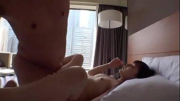可愛いパイパン娘がエッチな音を響かせながら淫らに腰を振り喘ぐ濃厚セックス