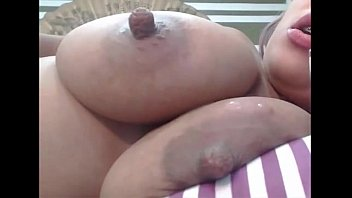 hotcam4.com-Beautiful big boobed latina lactates and masturbates