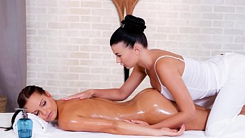 Erotic massage au Relaxxxed - nice european dyke massage in the sauna with lucy li