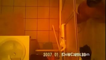 Hidden cam - Milf soaping (new)