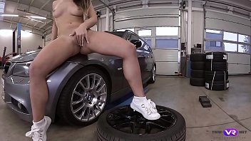 TmwVRnet.com - Naomi Bennet - Hot Babe Gets Naked and Horny in a Car Service
