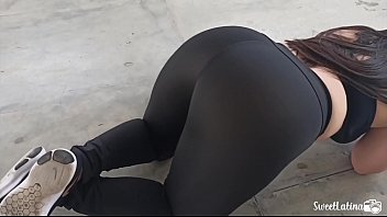real latina / arab with huge ass trains with her plug in her anus