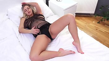 Pregnant Nathaly Cherie Fucks Herself With Her Purple Vibrator!