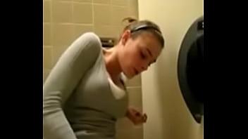 Amateur cum blog Quickly cum in the toilet