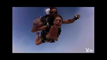 Extream bikinis Nude hot girls skydiving