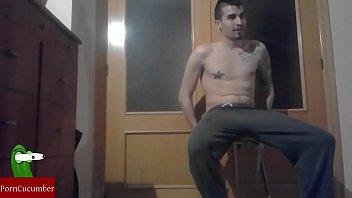 Circuit forum gay El tour de pajas de jotade te jode: excitándose encima de un taburete