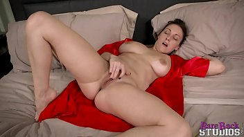Fuck my sleeping mom - Melanie hicks in my young mom hd