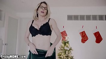 Mature stepmom surprised stepson with pussy for Xmas