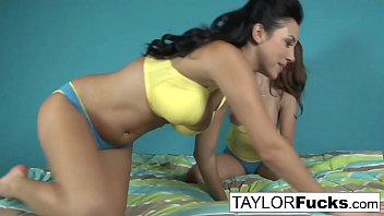 Taylor Vixen Decides To Play With Jelena