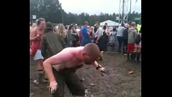 Funny smelling pee Lol. man slides into girl peeing. crazy funny.