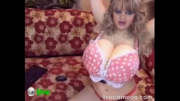 Super Huge Boobs Live Cam | live99x.com