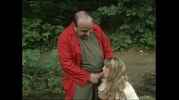 Fat hardcore sex ugly woman Sweet blondie pissing in the woods gives a blowjob to an ugly mug