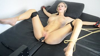 florane russell tied up and useing fuck machine