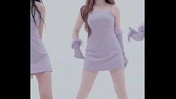 公众号【是小喵啦】韩国女团南希特写版紧身裙热舞MV