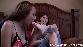 She gets so turned on around my beautiful bare feet