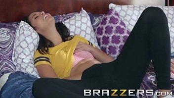 Brazzers - (Makayla Cox, Vienna Black) - No Pain No GPA Gain porno izle