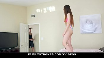 FamilyStrokes - StepCousins Fucking Each Other (Lily Glee)
