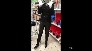 Wife in shopping mall - overknee boots, latex gloves, mask and leather trousers (video via smartphone)