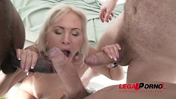 Pamela anderson wideo porno - Gaping milf kathy anderson fucks 3 big cocks for the 1st time