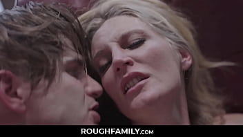 Mom Loves Her Son   RoughFamily Com
