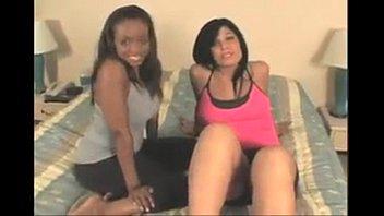 2 girls farting berlin