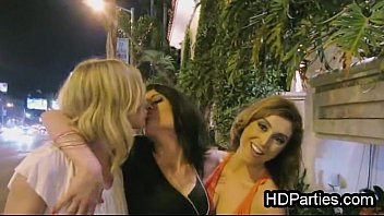 blowjob Girls night out