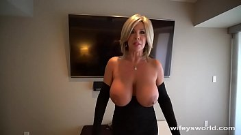 Cum swall Cum swalling milf next door drilled for xxxmas
