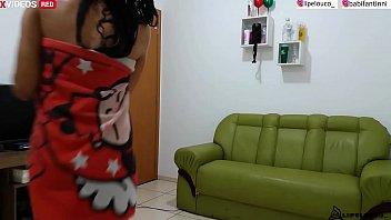 ENTREGADOR É PROVOCADO E NÃO RESISTE A NOVINHA GOSTOSA ( VÍDEO COMPLETO XVIDEO RED ) babi fantinni