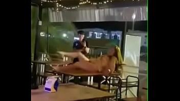 Aquele show espontâneo no bar