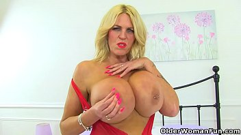 Mature fans blue boobs - Uk milf shannon blue will spoil you with her huge tits