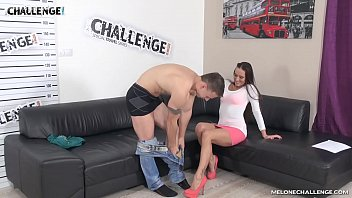 Promising muscle challenger fail in the end with Mea Melone in her show