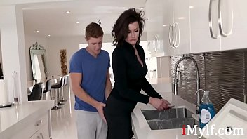 Son Wants To Force Fuck Stuck Mom First- Becky Bandini