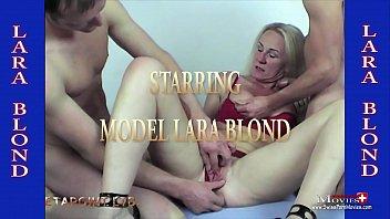Blondine abgefickt Anal/Vagina/Oral von 2 Männer - SPM Lara34 TR04