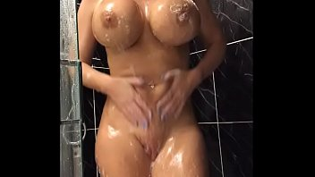 Milfs shaving in shower - 34jj blonde shaves her pussy and fucks her tight holes - thexxxcam.com