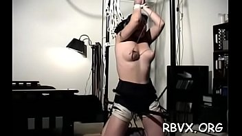 Beauties get bounded together and titillated by a vibrator