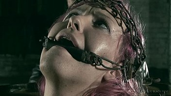 BARREL-GIRL | BDSM | SM | MR. PAIN