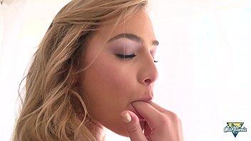 Blair Williams, une jolie blonde qui se fait défoncer