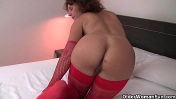 Hot hairy old Hot granny in stockings rubs her hairy pussy